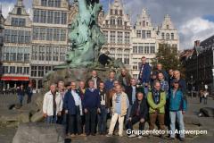 33 Fototermin vor dem Brabo-Denkmal in Antwerpen
