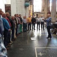 39 Singen in der Kathedrale in Antwerpen
